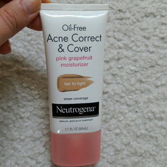 Oil-Free Acne Correct & Cover Pink Grapefruit Moisturizer by Neutrogena #11